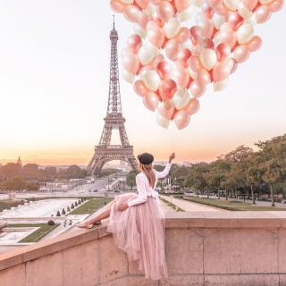 Quand la dame de fer se dresse devant toi 🎈 . . 📷 topolindra . . #DepartToulonHyeres #Voyage #Vacances #Decouvertes #ToulonVousOuvreLeMonde #spotter #Aviation #Aviationspotter #Airfrance #Paris #visitparis #igersparis #exploreparis #visitfrance #toureiffel